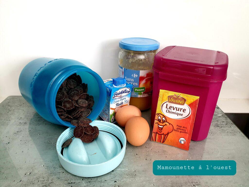 Les ingrédients pour les gâteaux cœur au chocolat léger.  4 pts WW.