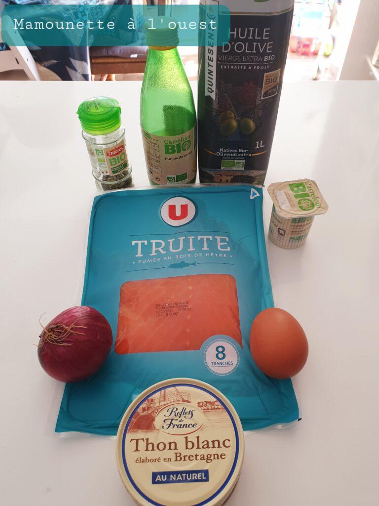 Les ingrédients pour le bowlcake thon, truite fumée et ciboulette.